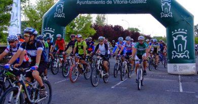 Cerca de 500 bikers acudimos a la cita de la Vital. Foto: Fundación Estadio.