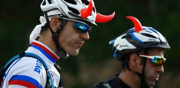 Hellbikers en EBC