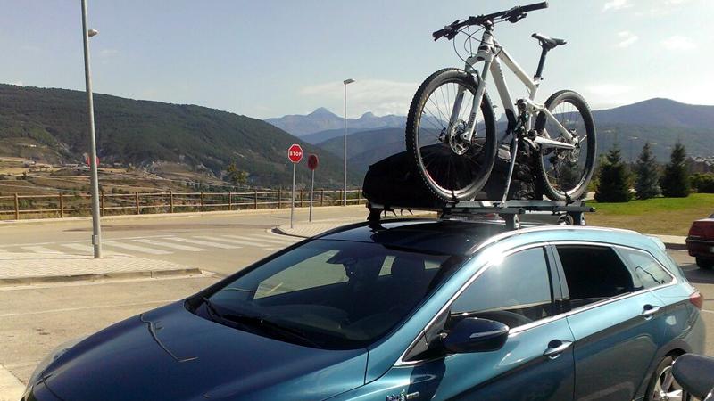 Como llevar la bici en el coche de manera segura y legal